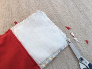 cucire i contorni e spuntare gli angoli