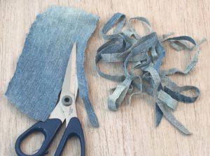 tagliate tante strisce larghe 1,5-2 cm