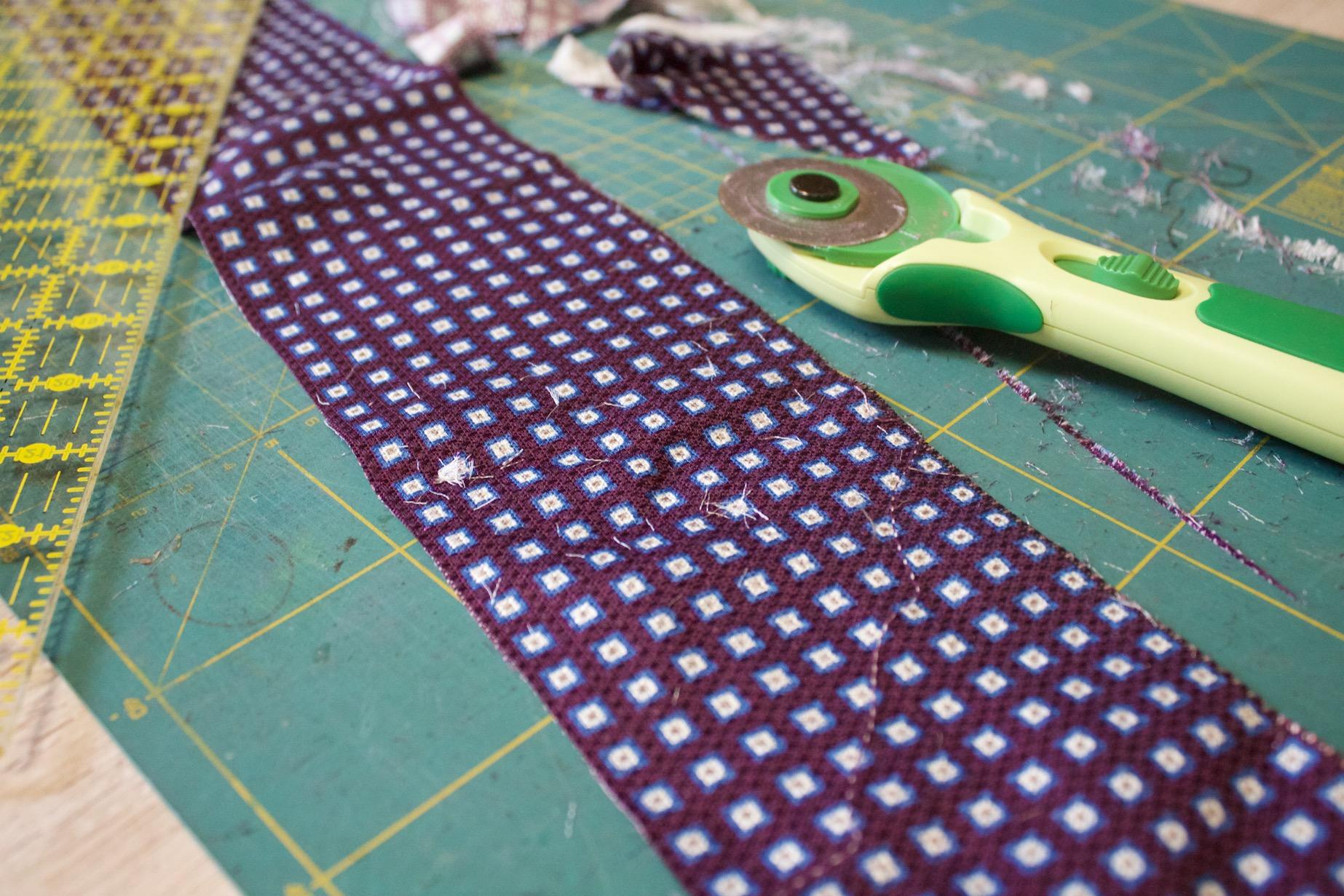 preparare le strisce alla cucitura