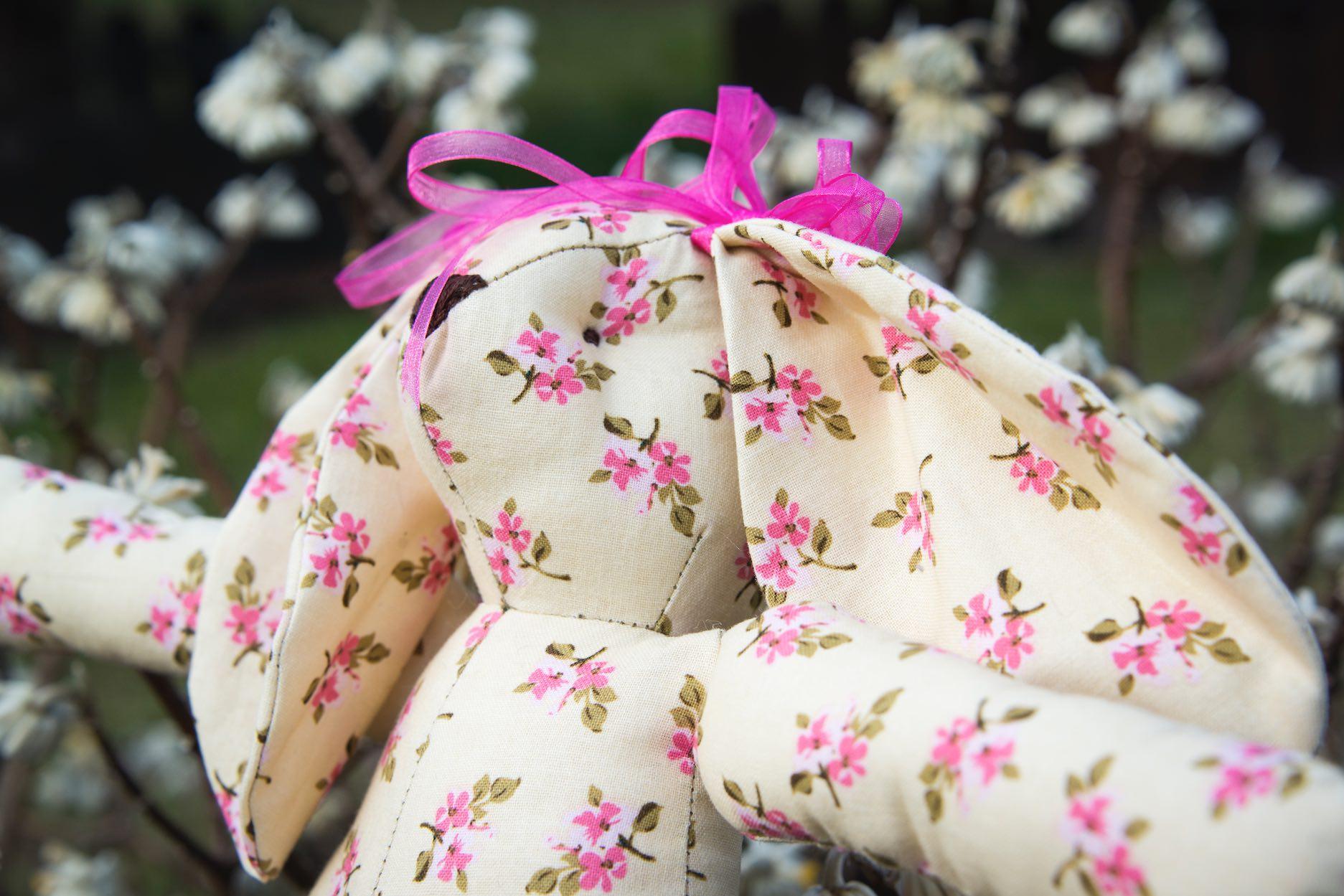 Come cucire un Coniglio in stoffa con Cartamodello - Anna Borrelli 03a71294310a