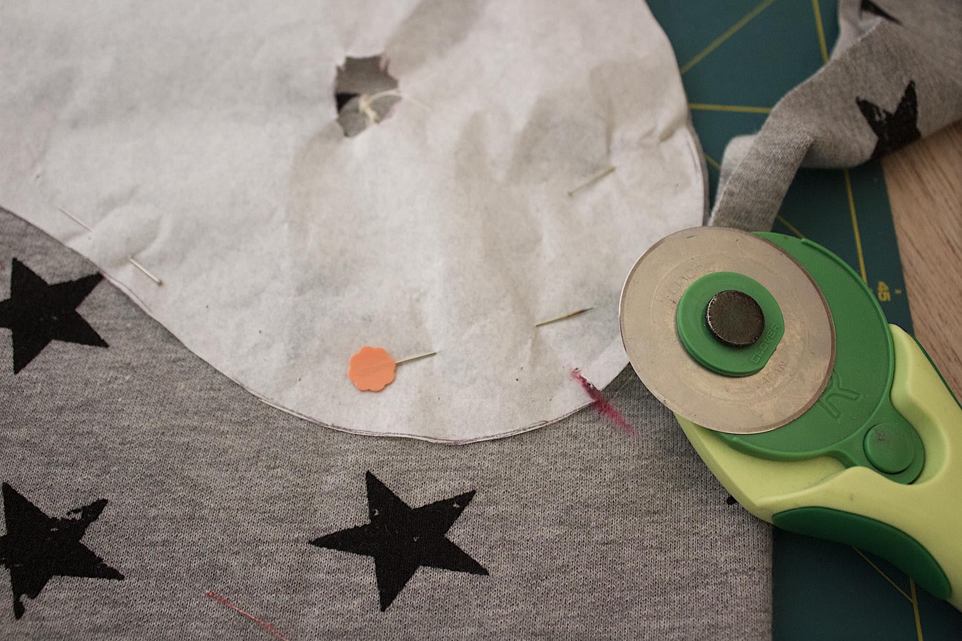 incidete il tessuto per definire la dimensione della pince