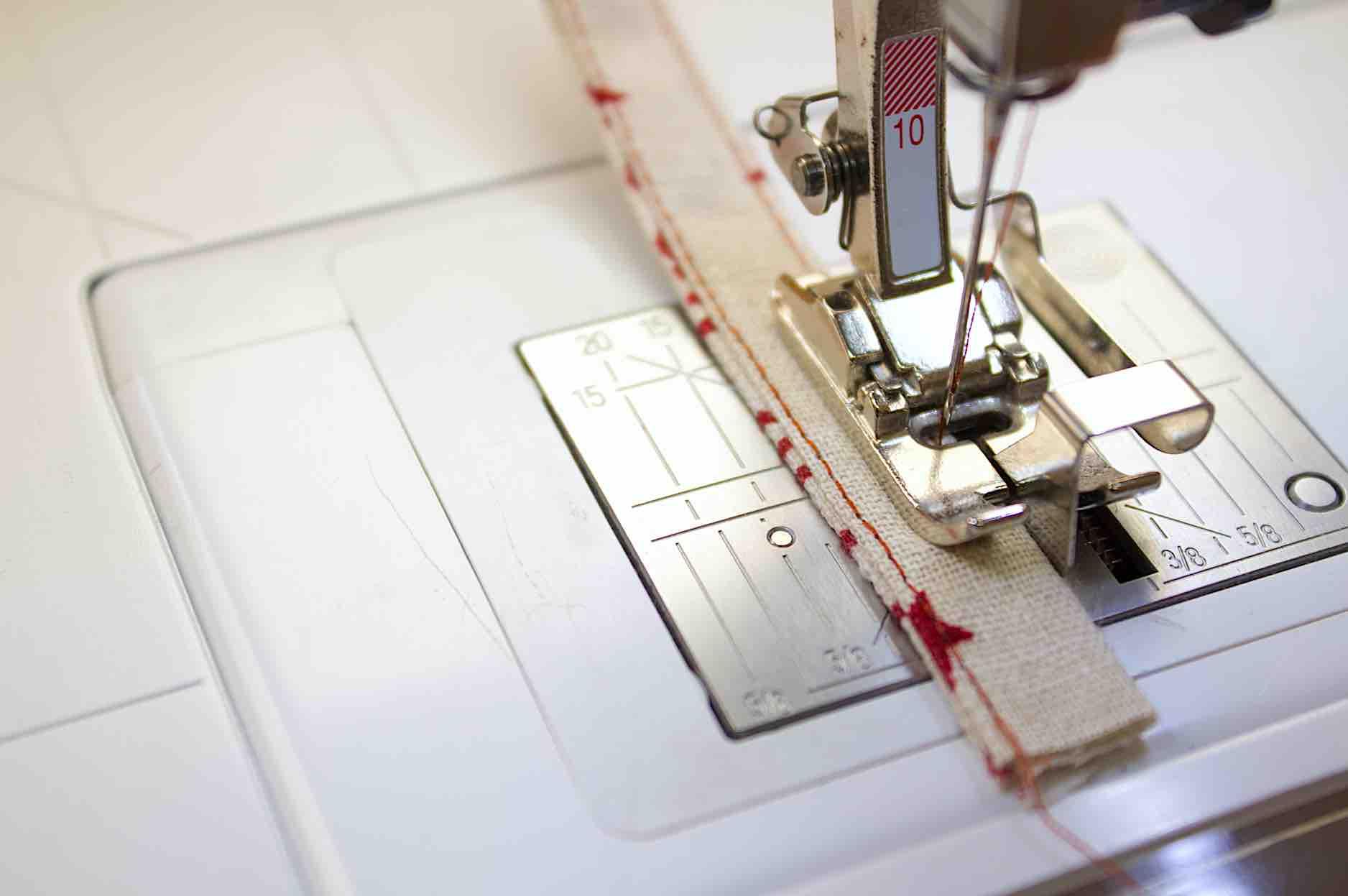 cucire a filo i lati