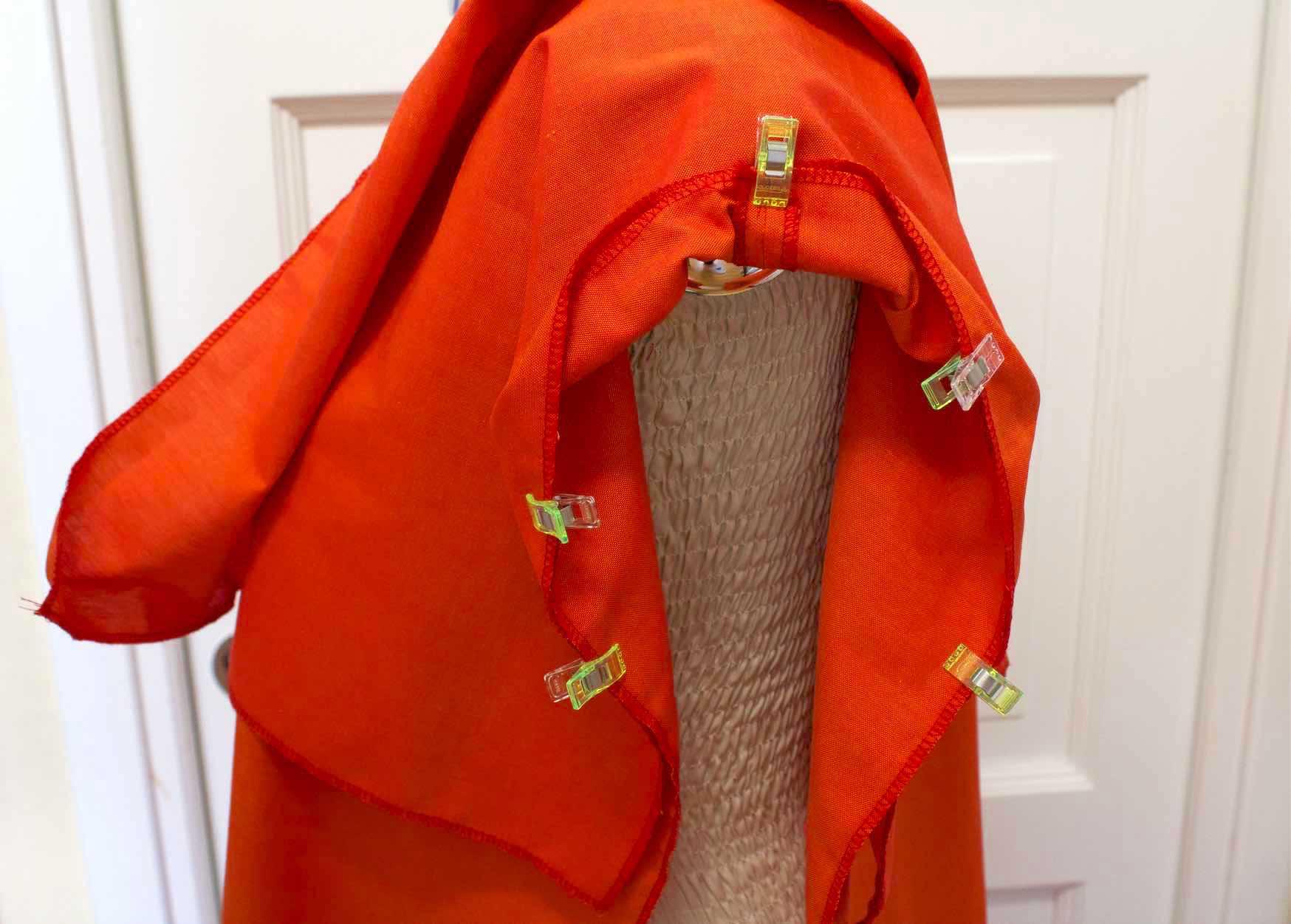 posizonare le maniche al kimono