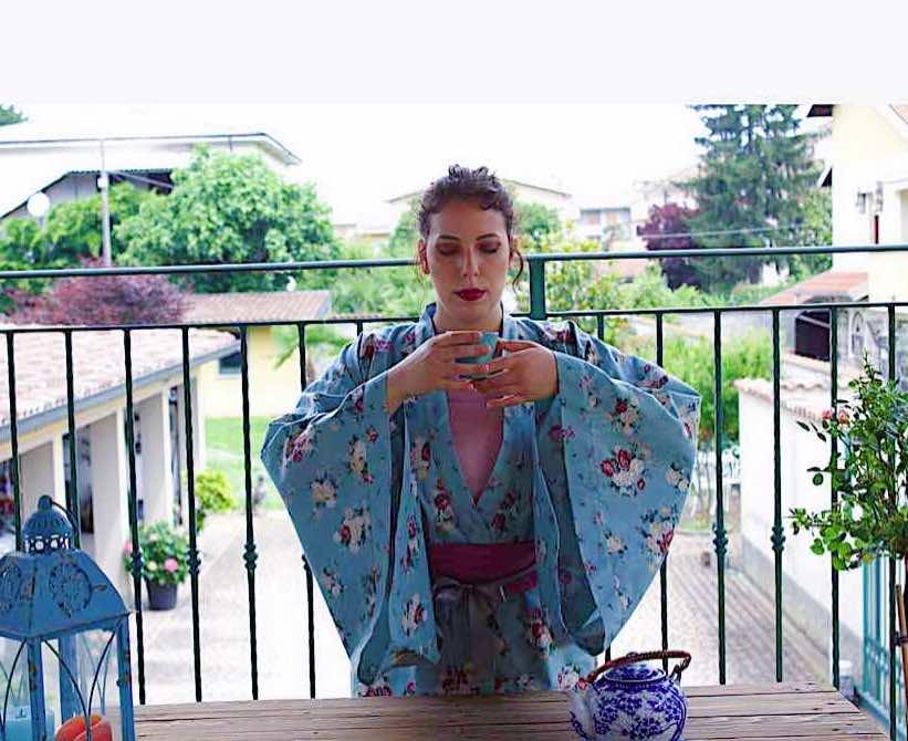 valentina indossa il kimono