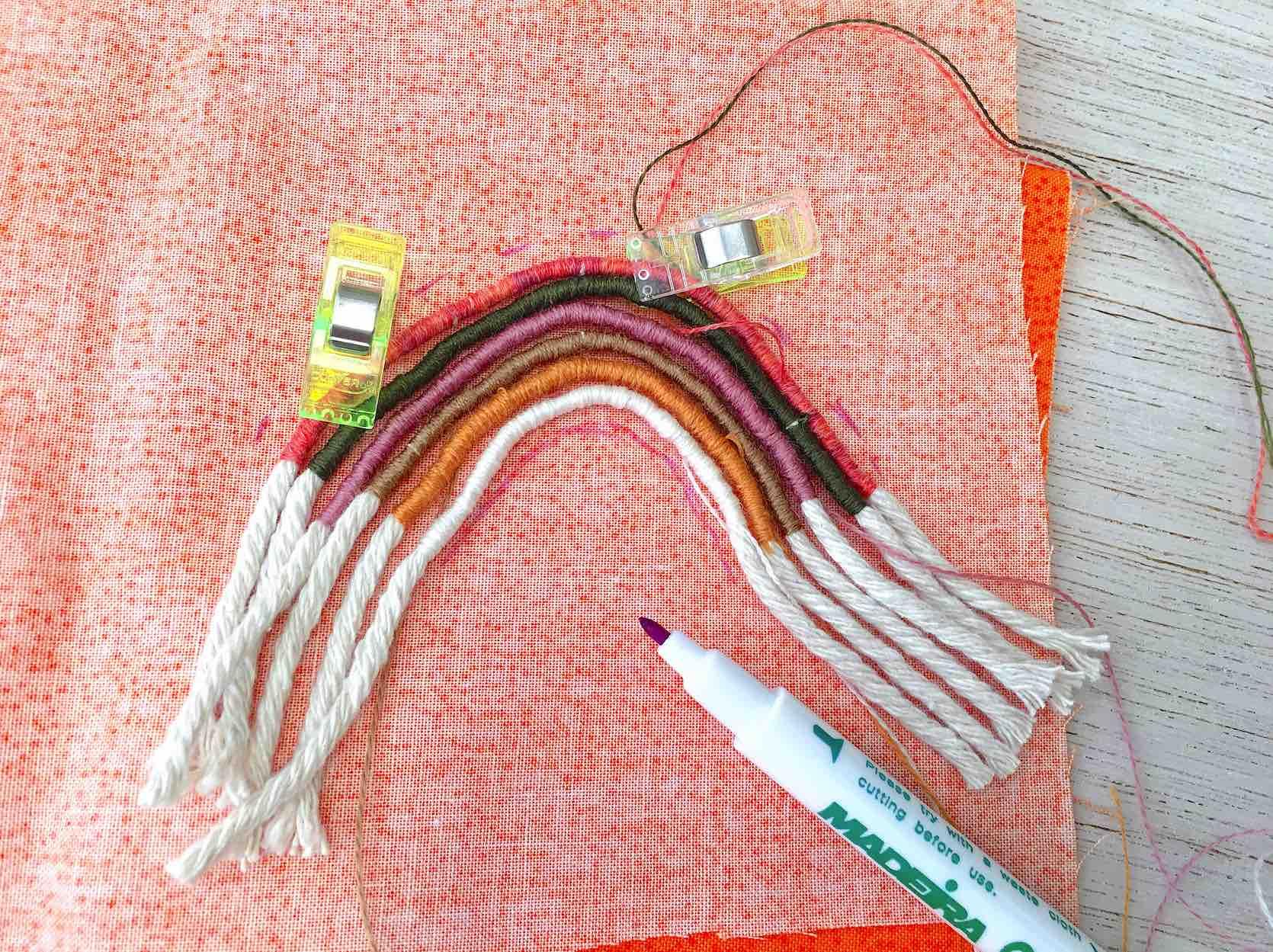 creare la base in stoffa per il retro del rainbow