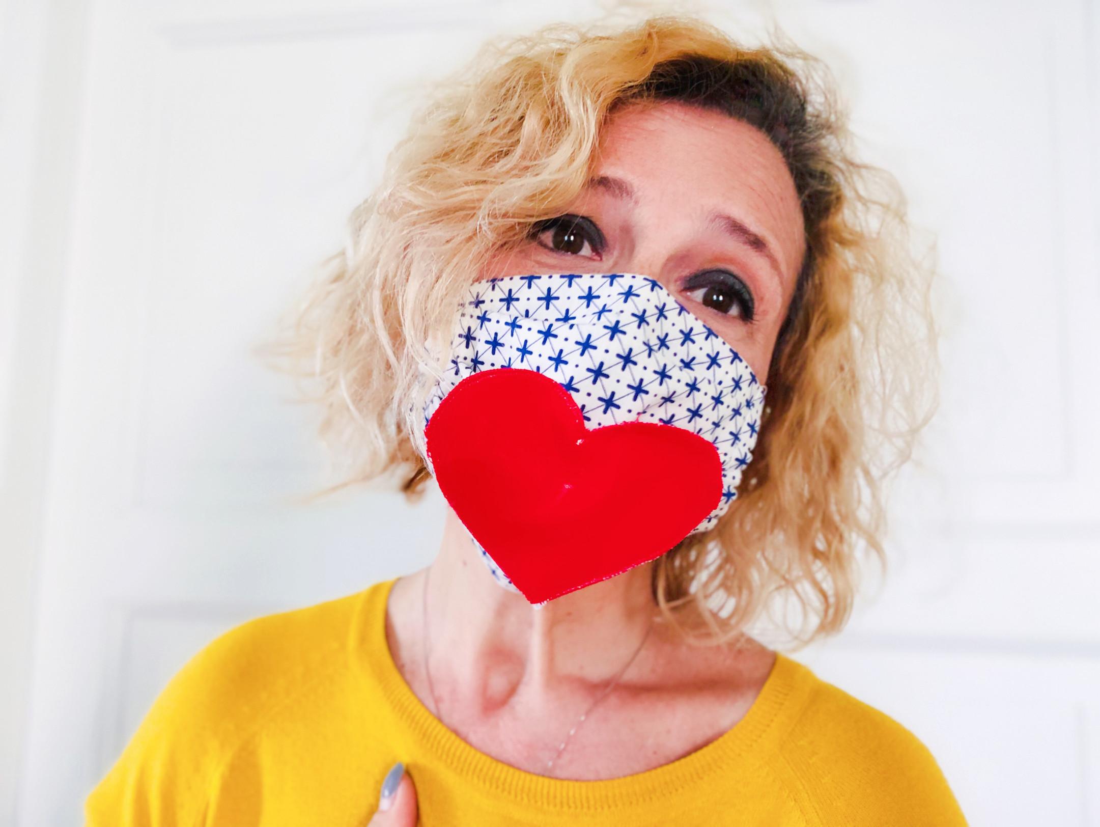 mascherina con cuore