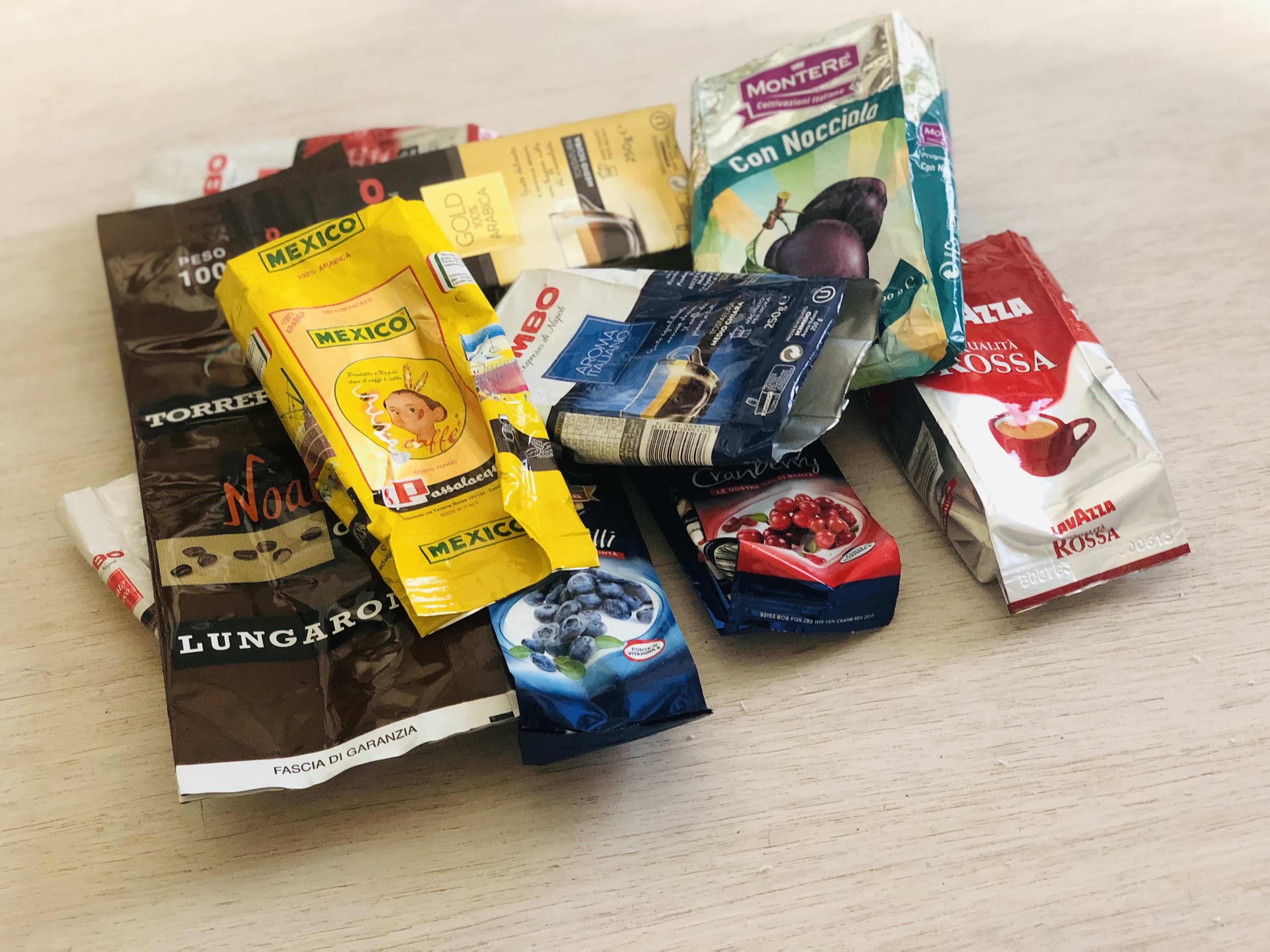 insieme di confezioni alimentari da usare per i progetti