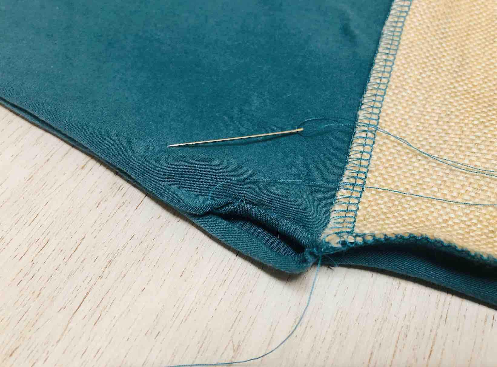 rifinire le cuciture nascondendo i fili