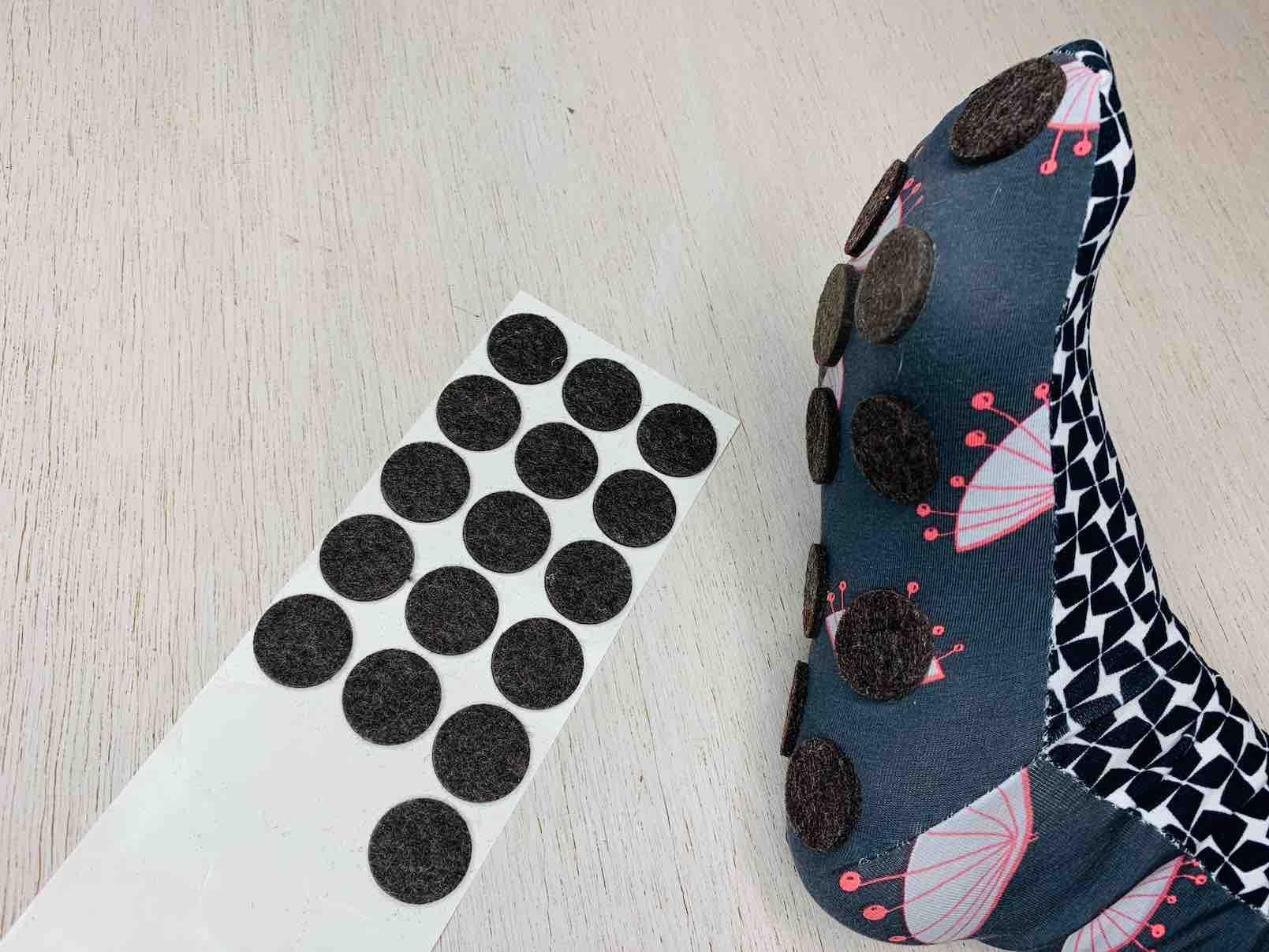 trasformare i calzini in antiscivolo
