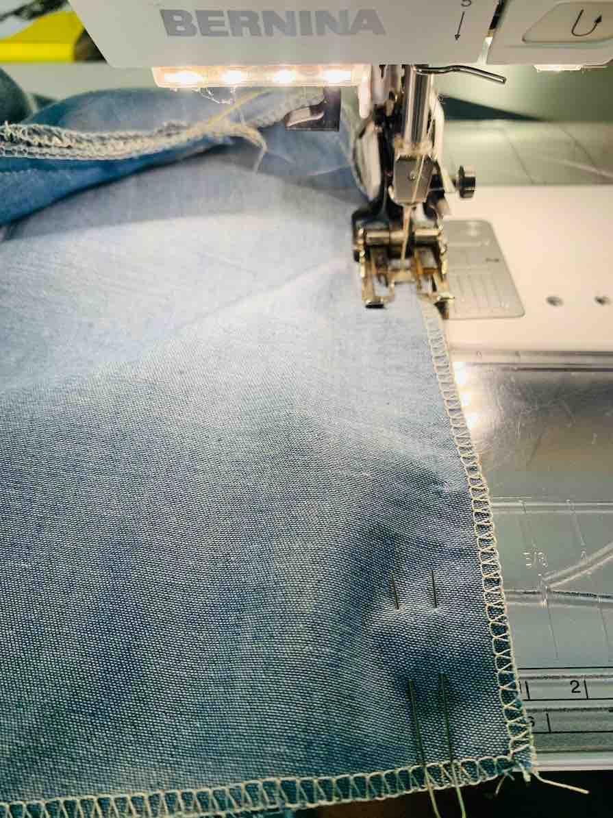 cucire i fianche della camicetta